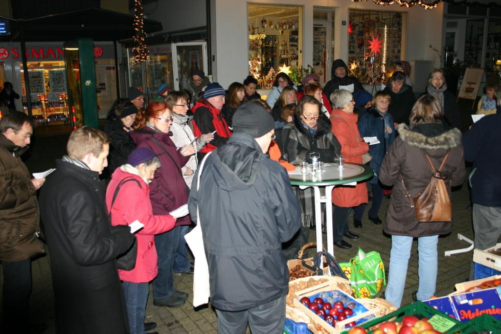 3. Dezember, Kath. Sängergruppe zu Gast bei Obst & Gemüse Gille