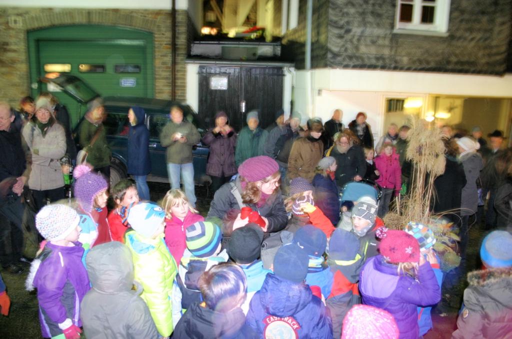 16. Dezember, die evangelische Grundschule (Klasse 2a/2b) zu Gast bei Wortwechsel