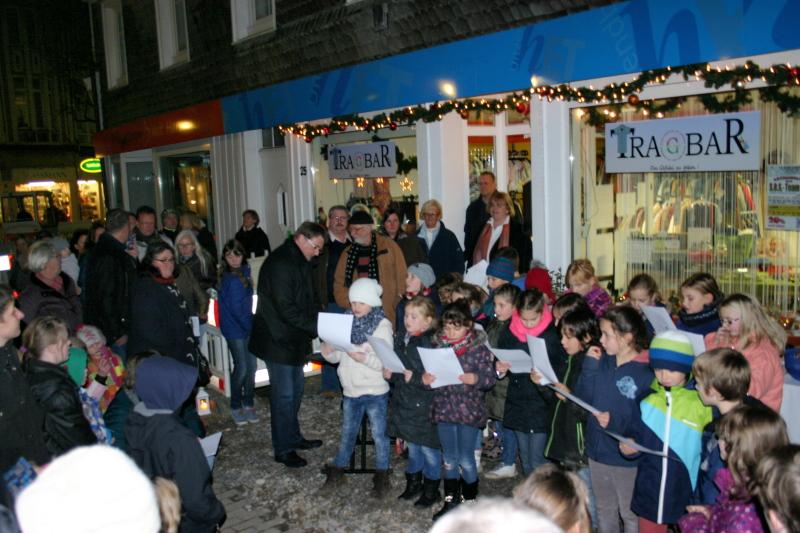Die Evangelische Grundschule Neviges zu Gast beim S.O.S. Team / Tragbar (3. Dezember 2015)