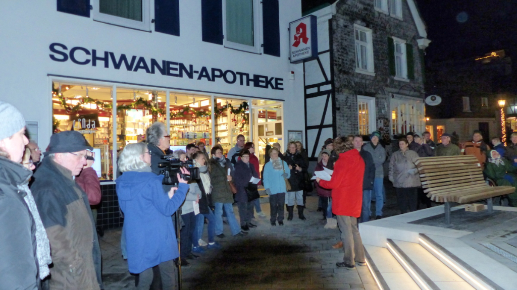 23. Dezember 2016, Abschlussveranstaltung des Lebendigen Adventskalenders auf dem Brunnenplatz